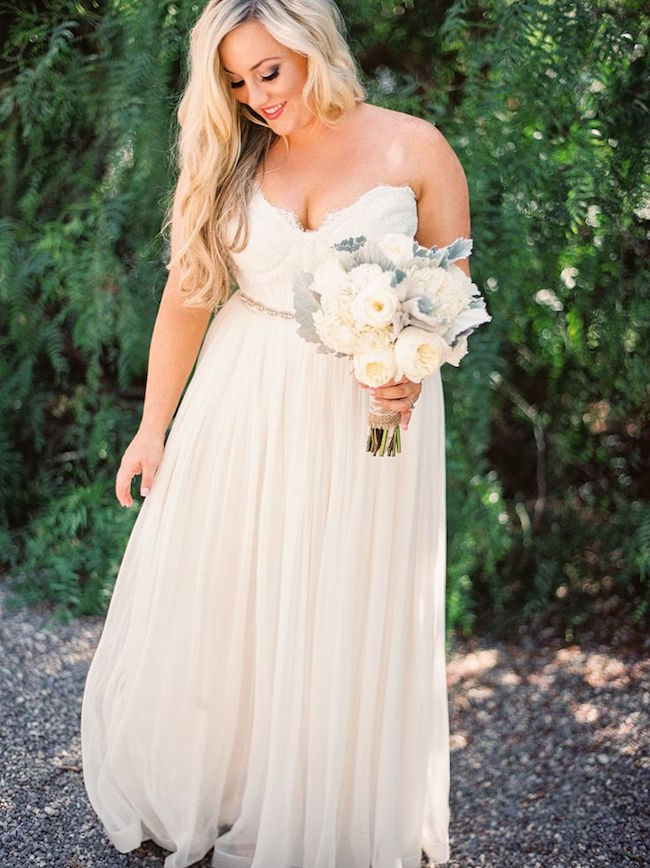 Una boda en verde menta, dorado y azul marino al aire libre - Fotografia Danielle Poff Photography