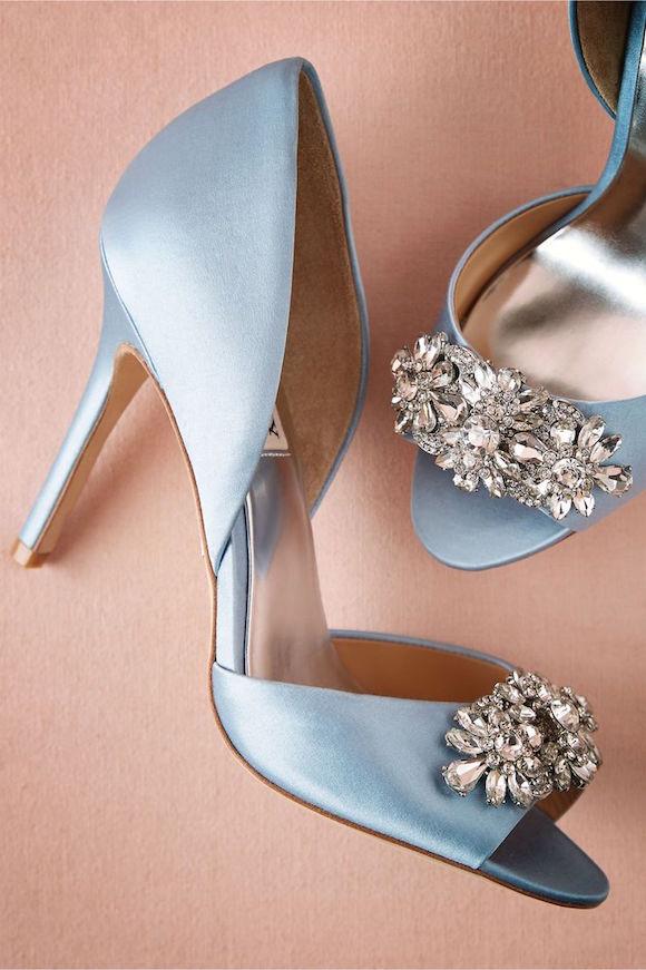 Zapatos para ir de boda: Detalle con incrustaciones de brillantes Lou D'Orsay de BHLDN