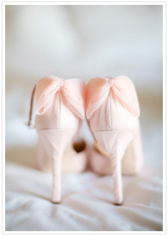 Un lazo de sueño rosado - Zapatos para ir de boda de Badgley Mischka