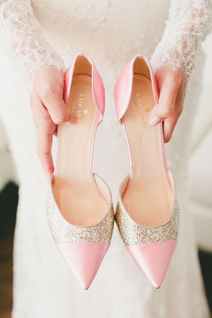Zapatos para madrinas de boda de Kate Spade en rosa delicado con brillo - Onelove Photography