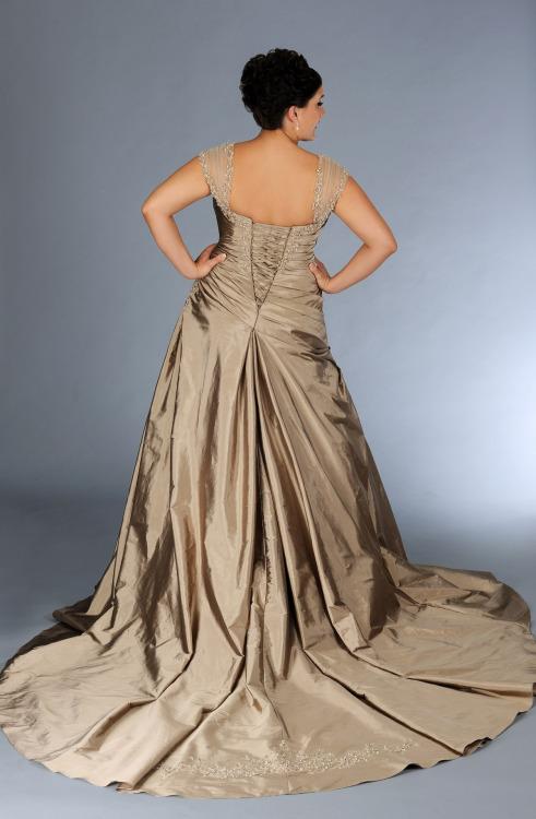 bb19b1f17 Fabuloso vestido para novias gorditas. No te pierdas estos 31 vestidos de  novia para gorditas