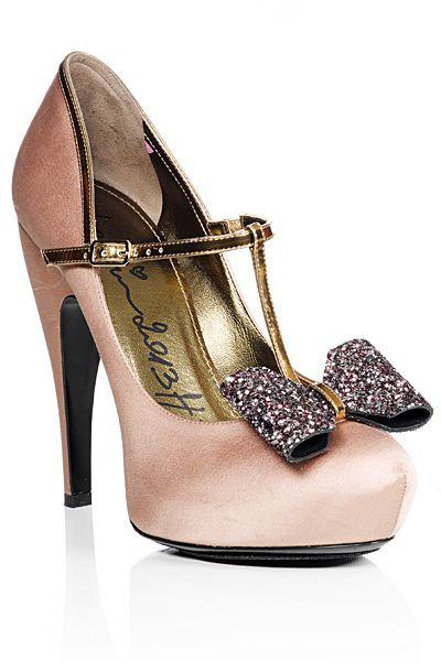 Zapatos de boda para invitadas con plataforma tipo Guillermina, una combinación única de Lanvin