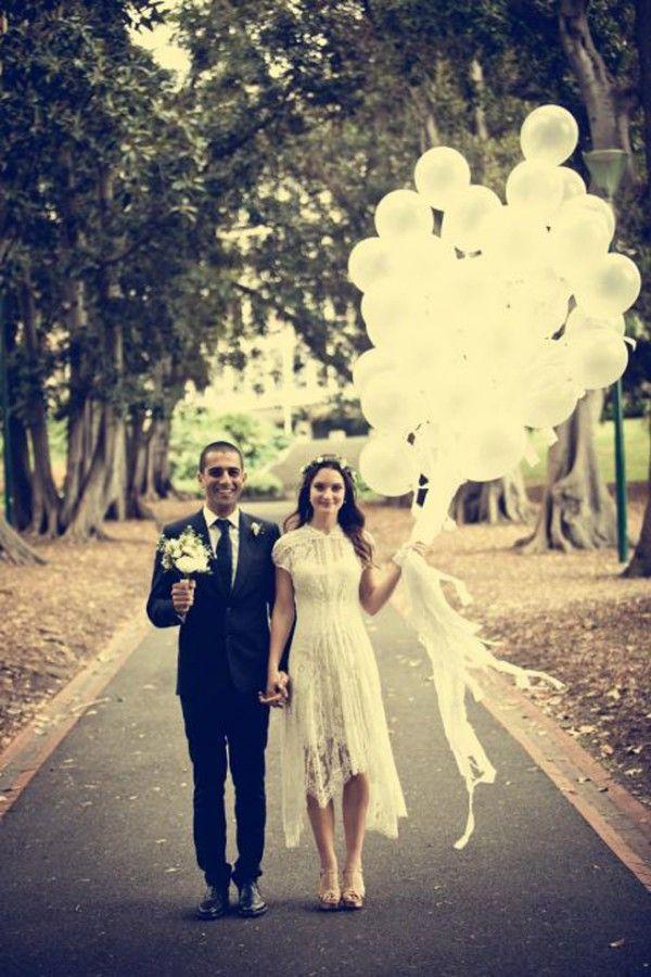 Bouquet de globos para la novia: una idea divertida para bodas. Foto: weddingbells.ca