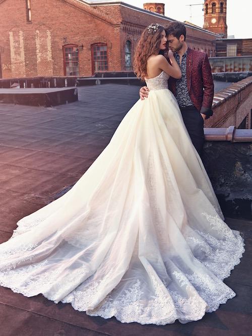Crystal, lujo y elegancia. Vestidos para novias de Galia Lahav