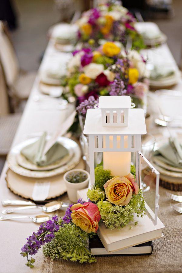 La Big Fake Wedding en 440 Seaton con lujo de detalles boho en la decoración de mesas. Fotografia: Andie Freeman