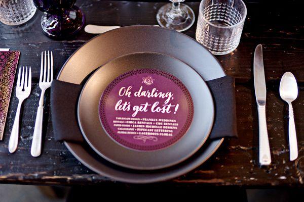 Todo está en los detalles. Mesa decorada con inspiración wanderlust - Big Fake Wedding en 440 Seaton. Fotografia: Andie Freeman Photography