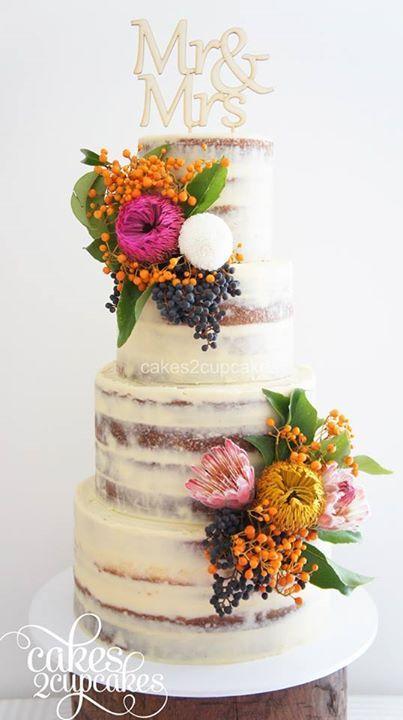 Torta de bodas desnuda
