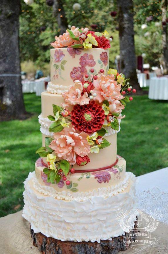 Tortas de boda espectaculares: rústica y pintada a mano.