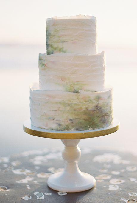 Tortas de boda espectaculares como acuarela de Kenadtomake. Fotografía: Brett Heidebrecht