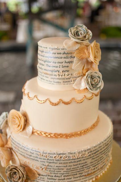 Tortas de boda únicas. Inspirada en una pareja amante de los libros