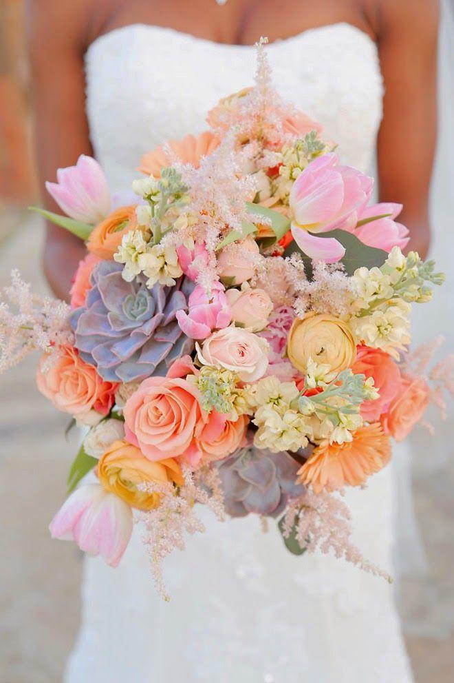 Un impresionante y sofisticado ramo de novia. Cómo escoger el ramo de novia perfecto. Foto: bellethemagazine.com