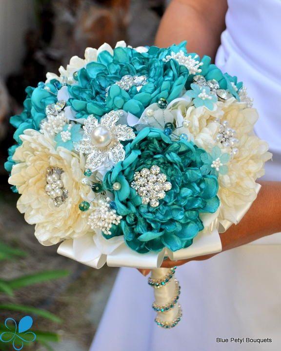 Cómo escoger el ramo de novia perfecto: Un ramo de novia perfecto para una boda el la playa.