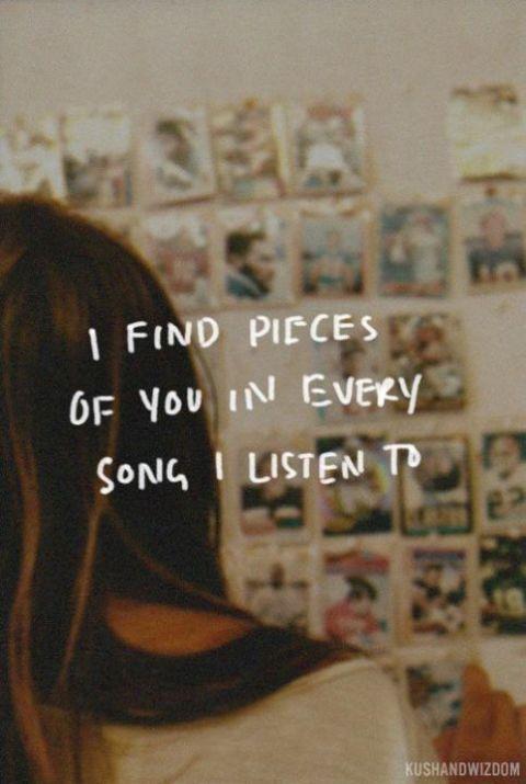 Cuando estás tan enamorada que cada canción te hace pensar en él.