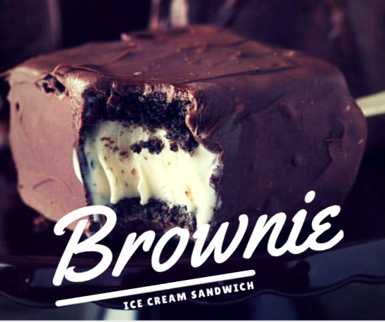 Quiero una brownie ice cream sandwich para morirme de amor.
