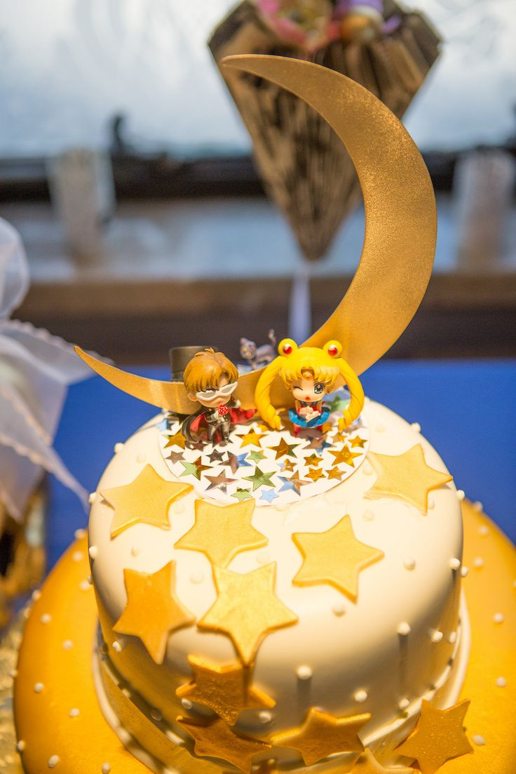 Cake toppers inspirados en Sailor Moon, super art deco.