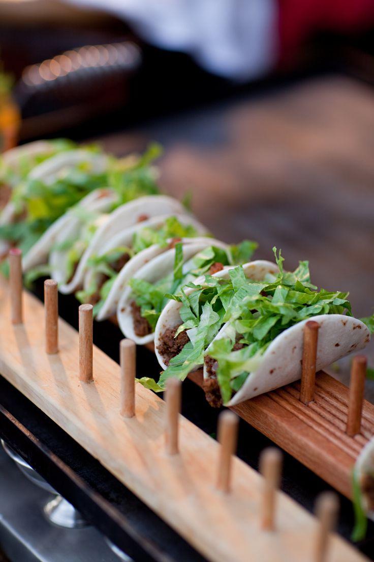 Estas ideas de mini foods son una delicia, y la presentación es perfecta! Fotografiada por Stephanie Fay Photography