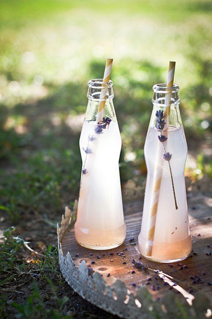 Refrescante limonada con lavanda y 31 ideas originales más para incorporar la lavanda en tu boda