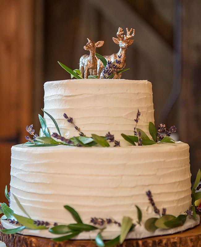 Cake toppers. ¿Te los imaginas en una boda rústica? Foto Ned Jackson Photography