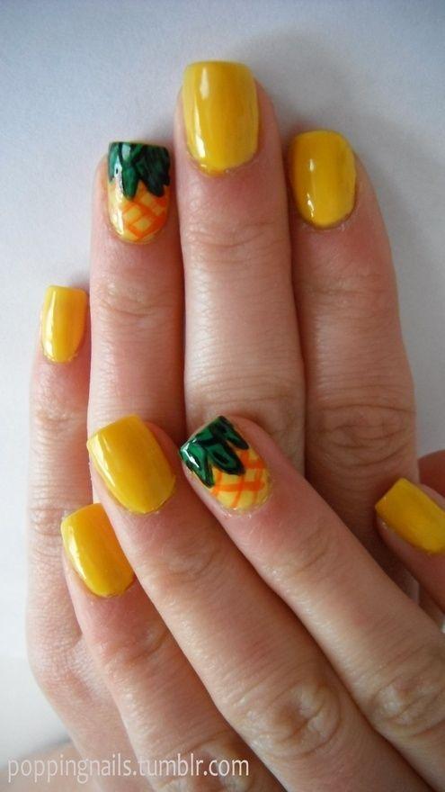 La próxima vez que tengas ganas de decorar tus uñas con nail art prueba darle un toque diferente a una sola uña, o sea las llamadas party nails.