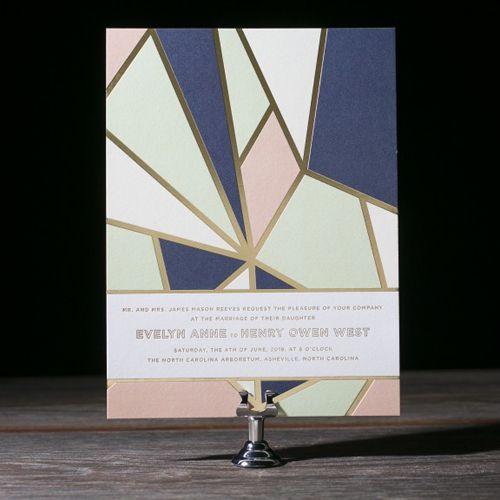 Diseños modernos y geométricos en invitaciones de boda en letterpress.