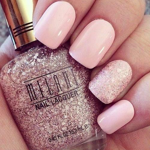 No te preocupes si eres una principiante y no tienes idea acerca de cómo hacer los diseños de uñas. Estos diseños rosados de nail art te ayudarán a prepararte para tu cita.
