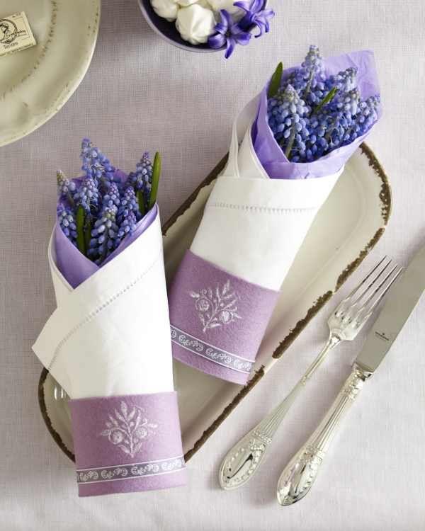 Sorprende a tus invitados con la fragante lavanda en la decoración de tus mesas.
