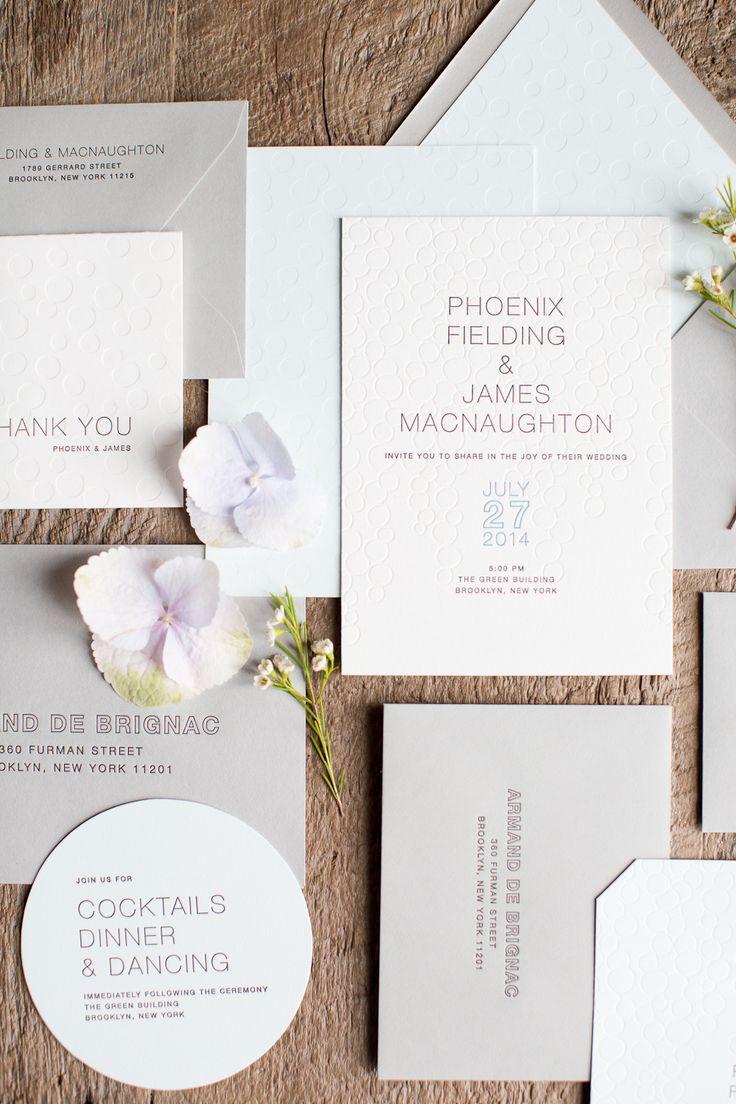 Burbujas y lujo en diseños de invitaciones de boda con relieves e impresas con letterpress.
