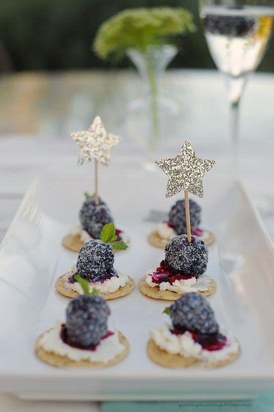 Queso de cabra con moras, originales mini foods para bodas. Una presentación increíble.