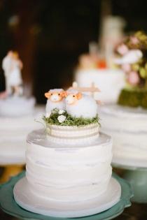 Una pareja de ovejitas. Probablemente el cake topper más adorable de todos.