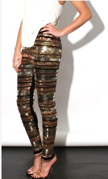 Pantalones en lugar de vestidos para las fiestas. ¿No es una idea brillante?