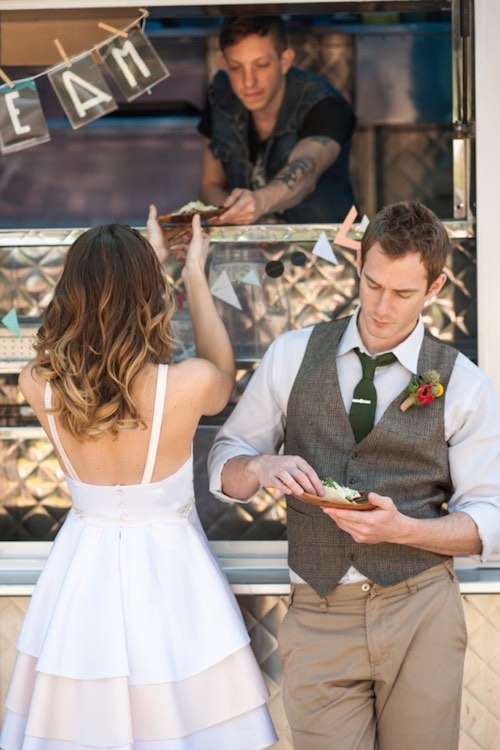 Bodas con food trucks. Food Truck weddings.