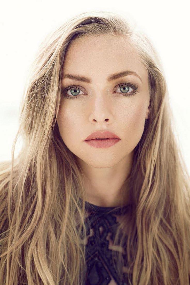 Si opinas que tus ojos separados hacen muy difícil lograr un maquillaje perfecto, piensa en Amanda Seyfried, una de las actrices con ojos mas bonitos de Hollywood.