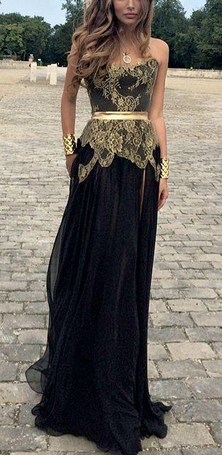 Los vestidos para las fiestas largos en negro y dorado definitivamente make a statement.