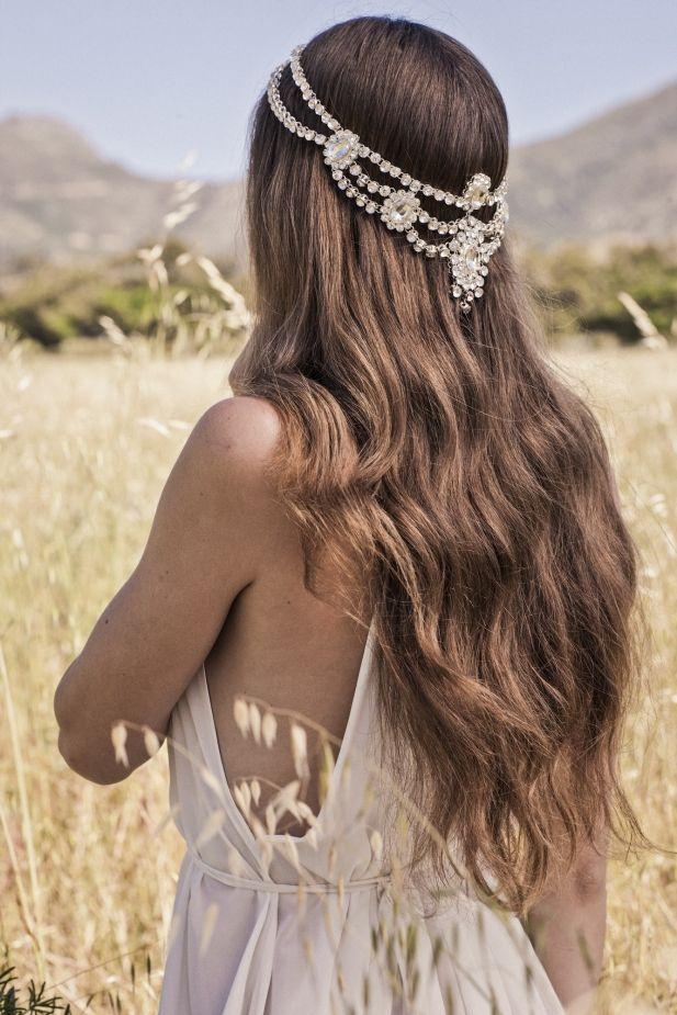 Dreamy headpieces for the boho bride. La nueva colección Bohindi de Bo & Luca es super chic. Unos accesorios para peinados Boho de ensueño.