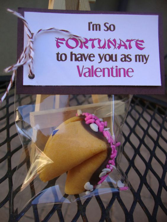 Como hacer tarjetas de San Valentín para regalarle a tu novio que predicen la suerte. ¿Cual será tu fortuna?