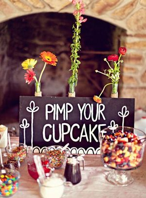 Una idea super original para mesas de dulces para bodas: toppings para las cupcakes! Pimp you own cupcake!