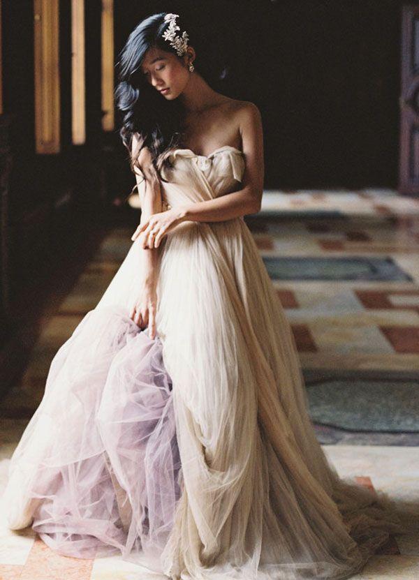 A-Line dress with sweetheart neckline by Samuelle Couture. Tatiana Collection. Vestido de la colección Tatiana de Samuelle Couture 2016 en Linea A con escote corazón.
