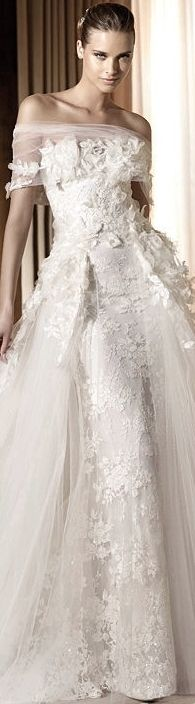 Corte princesa en este vestido de Elie Saab. Total luxury on this princess style wedding dress by Elie Saab.