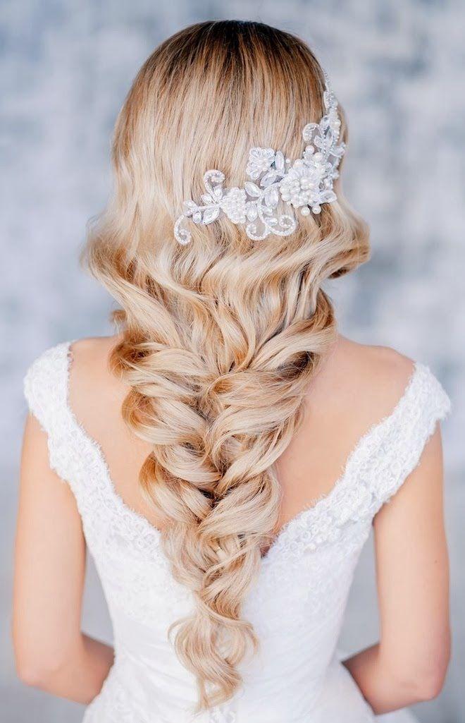 Cascade Braids for Long Hair. Tanto este accesorio como el peinado boho con trenzas son un lujo total.
