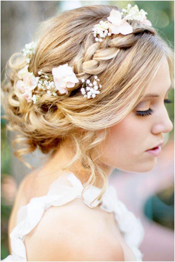 Un estilo romántico y bohemio. Si estás dispuesta a abrazar a tu inner flower child, inspírate con estos peinados para novias boho que agregarán un encanto muy femenino a tu estilo.