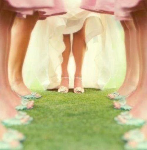Como elegir los vestidos para damas de honor perfectos Y a no olvidarse de los zapatos!