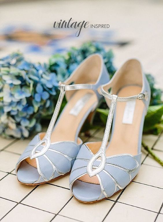 05d73322d2 Vintage inspired wedding shoes in serenity blue. Inspiración vintage en  estos zapatos para novias en
