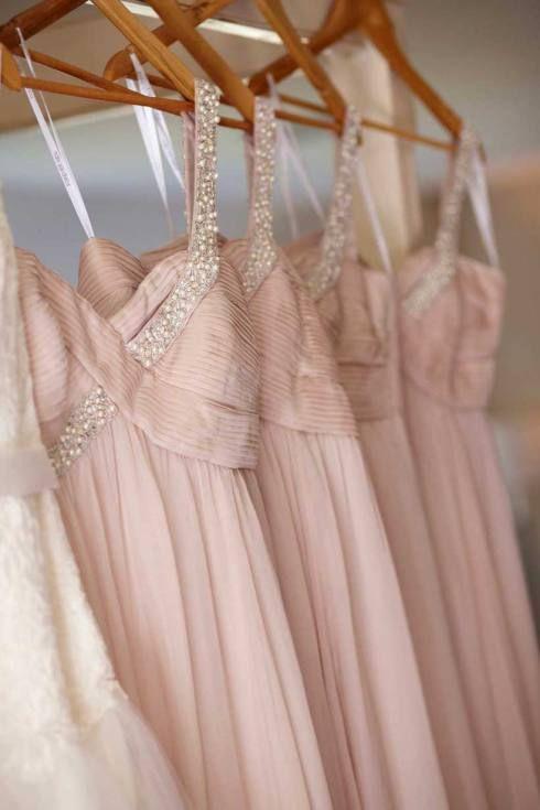 Como elegir los vestidos para damas de honor perfectos: Vestidos de damas de honor para una boda romántica.