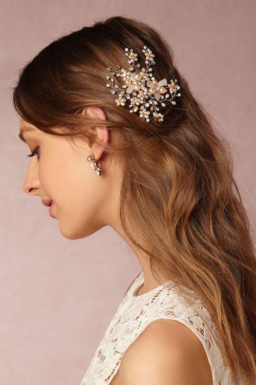 Gipsófila: un delicado accesorio para peinados de novia