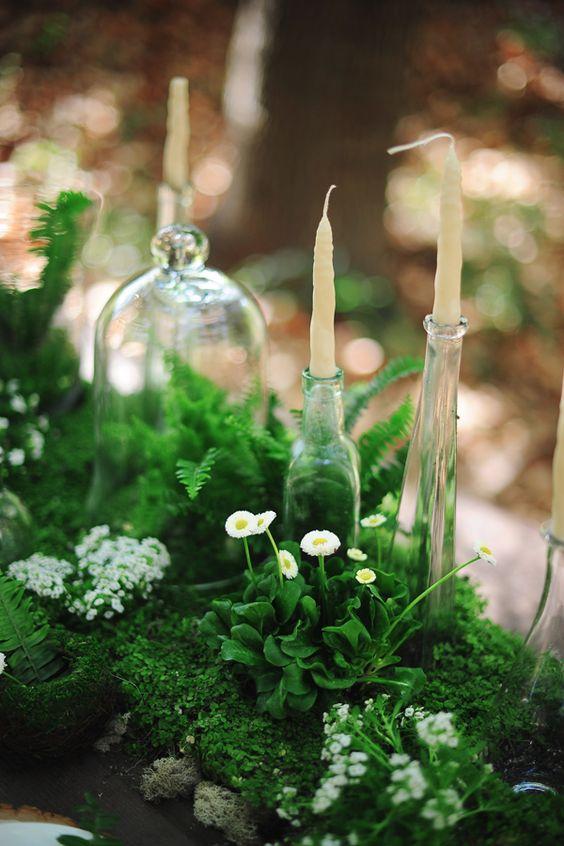 Caminos de mesa para bodas ecológicas, llenas de verdor y flores silvestres.