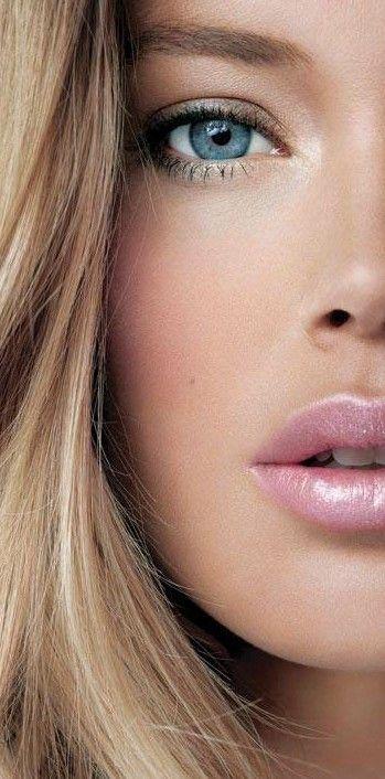 Maquillaje de labios en rosa para novias: Una novia con labiales en rosa es romántica y un clásico.