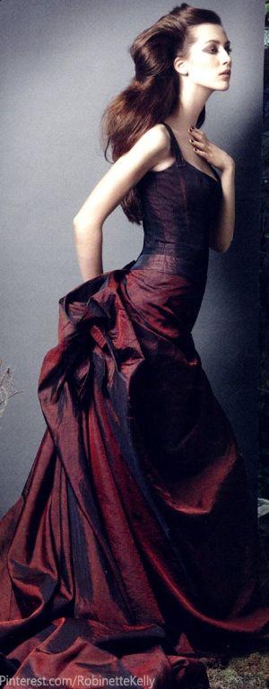 No solo son los vestidos sino los peinados que completan el look. Una creación de Carolina Herrera que querrán usar una y otra vez. Como elegir los Vestidos para Damas de Honor Perfectos.