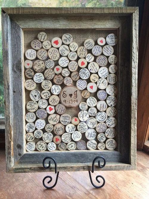 una alternativa al libro de firmas para boda muy original discos de madera dentro un