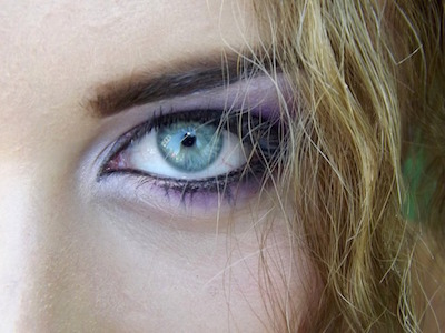 Eye makeup tricks for a perfectly drawn cat eye. <3