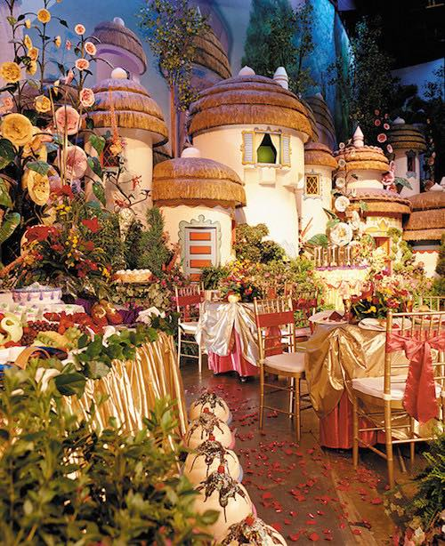 Brilliant The Fairytale Wedding Ideas To Plan Your Disney Themed Wedding Home Interior And Landscaping Eliaenasavecom